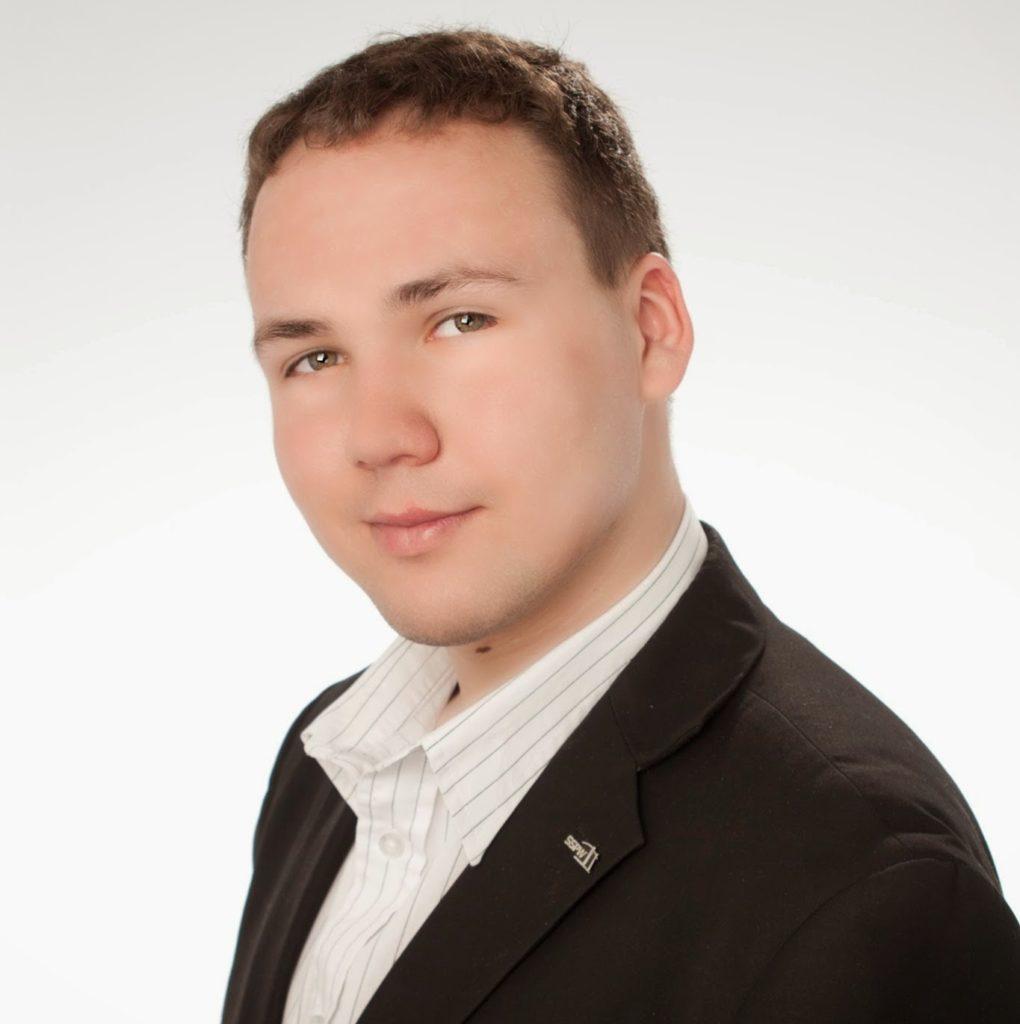 pośrednik nieruchomości Michał Lisicki